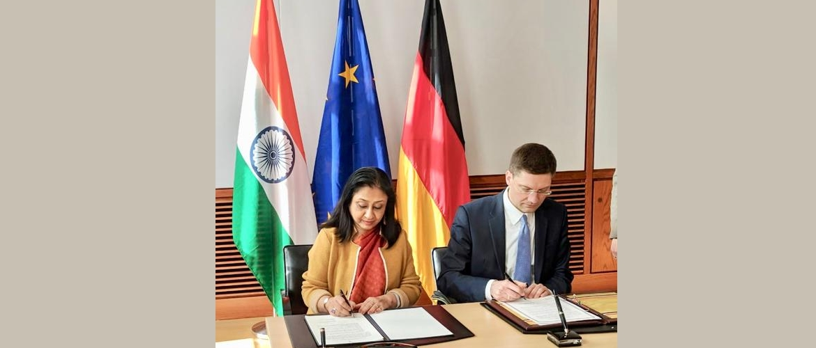 Signing of the Joint Statement on setting up a Fast Track System for Indian companies in Germany by Ambassador Mrs. Mukta D. Tomar and Parliamentary State Secretary, German Federal Ministry of Economic Affairs and Energy (BMWi), Mr. Christian Hirte